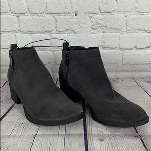 Kenneth Cole Dara Gray Suede Ankle Boot Size 8.5
